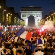 Après la victoire de l'équipe de France, des scènes de liesse dans tout le pays