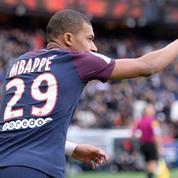Kylian Mbappé avec le numéro 7 au Paris SG