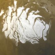 Un vaste réservoir d'eau liquide découvert sur Mars