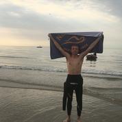 Le fils d'Anne Hidalgo, plus jeune Français à traverser la Manche à la nage