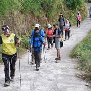 Séisme en Indonésie : les randonneurs évacués du volcan