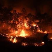 Californie : les pompiers peinent à circonscrire deux gigantesques incendies