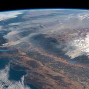 Les incendies en Californie vus depuis l'espace, c'est spectaculaire
