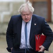 Boris Johnson crée la polémique en comparant les femmes en burqa à des «boîtes aux lettres»