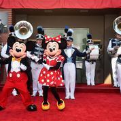 Mickey, Donald et ses amis ouvrent une ligne téléphonique pour bébés insomniaques