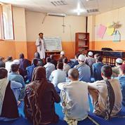 «Daech m'a promis la puissance» : comment l'EI endoctrine les jeunes Afghans
