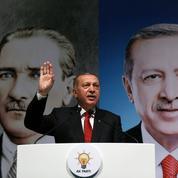 Erdogan durcit son bras de fer avec Trump