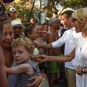 En vacances à Brégançon, le couple Macron fait un crochet par la Fondation Carmignac