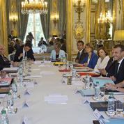 «Nous ne devons pas dévier de notre stratégie» : Macron et le gouvernement font leur rentrée