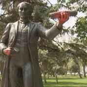 Au Canada, la statue de John A. Macdonald, le père de la confédération, à nouveau vandalisée