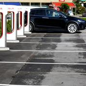 Le constructeur automobile Tesla a finalement décidé de rester en Bourse