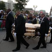 Stevie Wonder et Jennifer Hudson chanteront aux funérailles d'Aretha Franklin