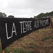 Indre : des paysans protestent contre l'accaparement des terres par les Chinois