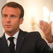 Nomination de Philippe Besson : «Il n'y a aucun copinage», assure Macron