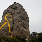 En Catalogne, la «guerre des rubans» s'intensifie