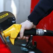 Carburants: la hausse des prix du pétrole continue de peser