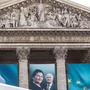 Des portraits de Simone Veil vandalisés sur les grilles du Panthéon