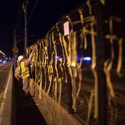 Catalogne : à El Maresme, la guerre des rubans jaunes entre unionistes et séparatistes