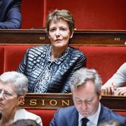 Après la démission de Frédérique Dumas, le malaise gagne la majorité