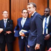 Popularité : Emmanuel Macron atteint son niveau le plus bas