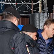 Sitôt libéré, Navalny condamné à 20 jours supplémentaires de prison