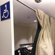Une adolescente handicapée privée de cabine d'essayage dans un magasin Pimkie