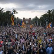 180.000 indépendantistes catalans manifestent pour l'anniversaire du référendum