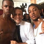 Selfie de Macron : «un emballement erratique qui tranche avec les débuts heureux du mandat»