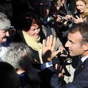 Pour Macron, «le pays se tiendrait autrement» si on arrêtait de «se plaindre»