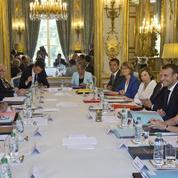 Remaniement : la droite sceptique sur la capacité du gouvernement à rebondir