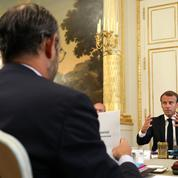 Pour la droite, les difficultés du remaniement révèlent «la solitude» d'Emmanuel Macron