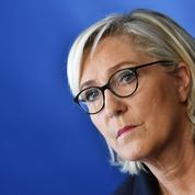 Soupçons d'emplois fictifs : les juges aggravent la mise en examen de Marine Le Pen