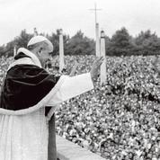 Le pape François s'apprête à canoniser PaulVI et MgrOscar Romero