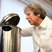 Brexit: sous pression, May cherche encore son «deal»