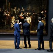 La Ronde de nuit de Rembrandt restauré en public et en ligne