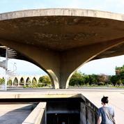 Au Liban, une exposition d'art contemporain au secours d'un chef-d'œuvre d'Oscar Niemeyer