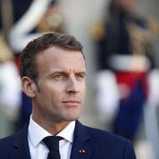 La chute brutale de Macron prend de court les oppositions