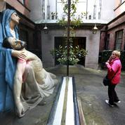 Les Irlandais votent sur le retrait du délit de blasphème de la Constitution
