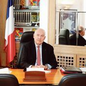 Dominique Bussereau: «Un gouvernement peut-il se fâcher avec les élus locaux?»