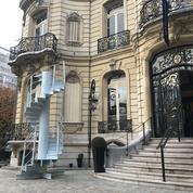 Un escalier de la tour Eiffel exposé chez Artcurial