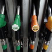 Pourquoi les prix à la pompe baissent moins vite que les cours du pétrole
