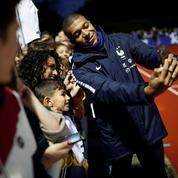 Mbappé va rencontrer un enfant qui a perdu sa maman dans l'immeuble effondré à Marseille
