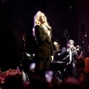 Avec toi : Sylvie Vartan à la recherche du bonheur perdu dans l'album de reprises de Johnny