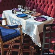 Le rideau s'ouvre sur le restaurant du théâtre Marigny
