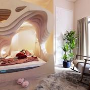 À Londres, dormir dans un lit en forme d'utérus