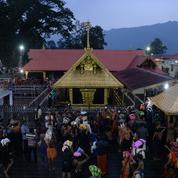 En Inde, l'accès des femmes à un temple hindou ne se fait pas sans heurts