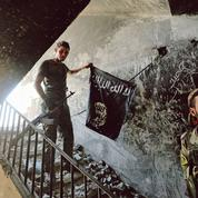 Privé de sanctuaire, l'État islamique reste menaçant