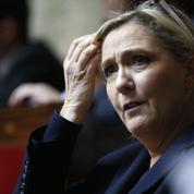 À l'approche des européennes, Marine Le Pen engrange en silence