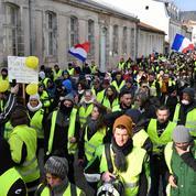 Bourges[bour-j] Ville au centre, notamment de la contestation