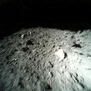 Espace: l'incroyable rencontre d'une sonde japonaise et de l'astéroïde Ryugu